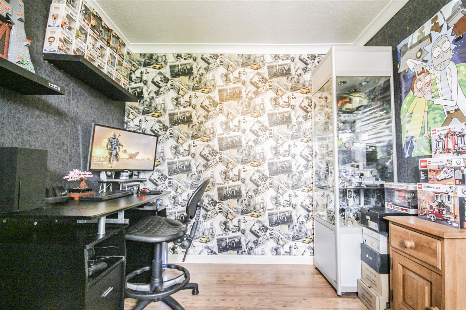 4 Bedroom Detached House For Sale - _._13.jpg
